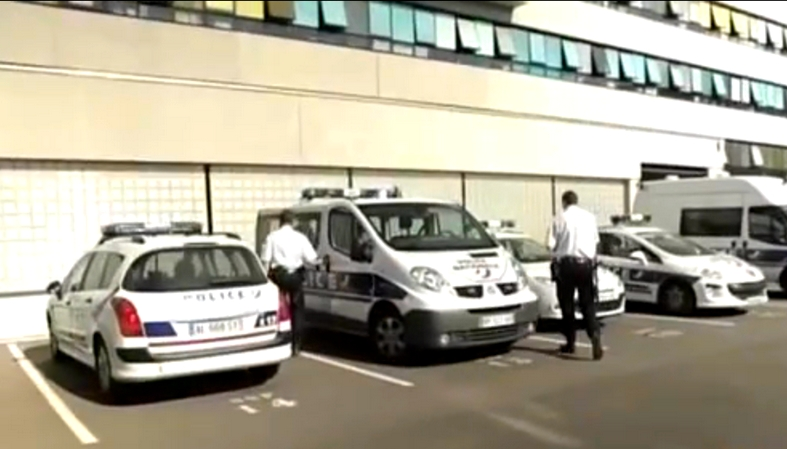 0h 58min documentaire chroniques polici res lille for Police nationale lille