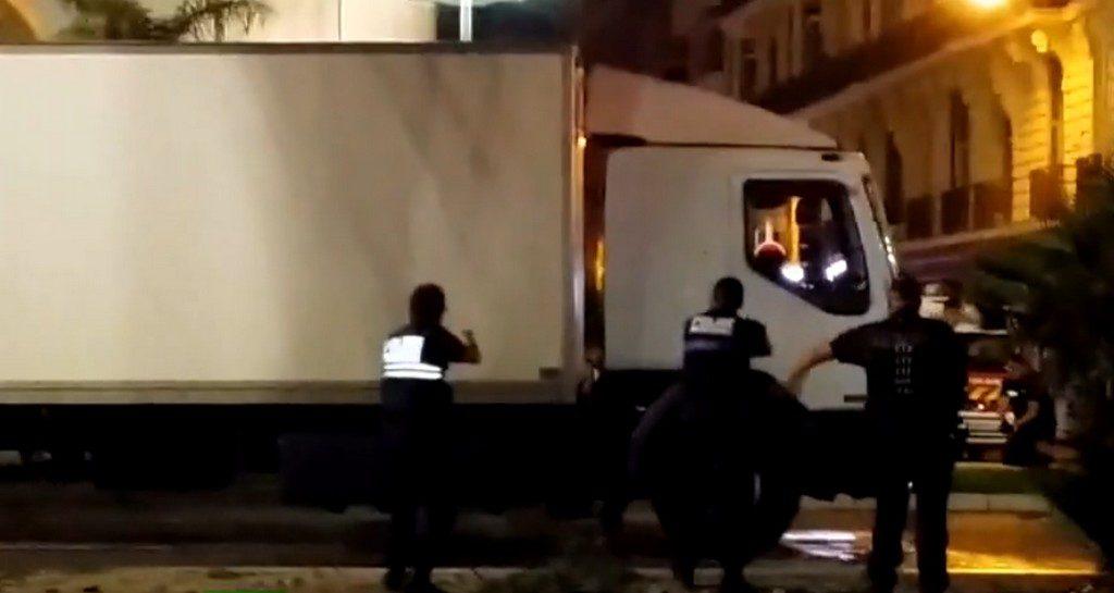 neutralisation du terroriste au camion nice videos de police com vid os et reportages sur. Black Bedroom Furniture Sets. Home Design Ideas